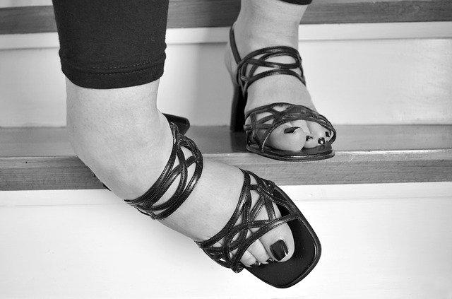 odškodnina za zlom stopalnice